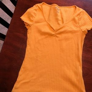 Yellow Abercrombie kids fitted tee size 15/16